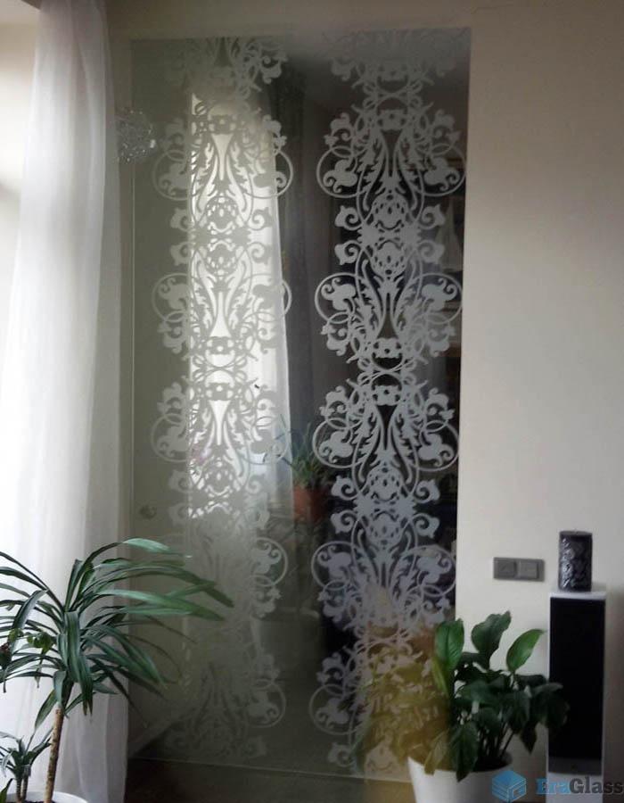 стеклянная дверь с узором пескоструйная обработка