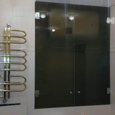 Стеклянные дверцы в бойлерную нишу