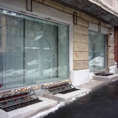 Стеклянный фасад с применением стекло-пакетов больших габаритов