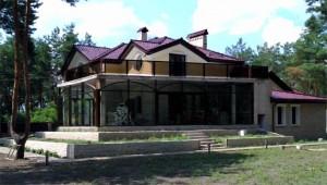 Стеклянный фасад коттеджа