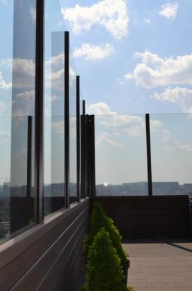 Светопрозрачное стеклянное ограждение