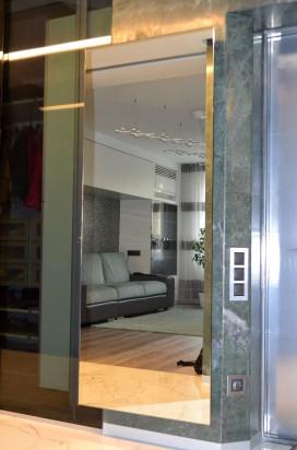 Зеркало с фасетом в квартире