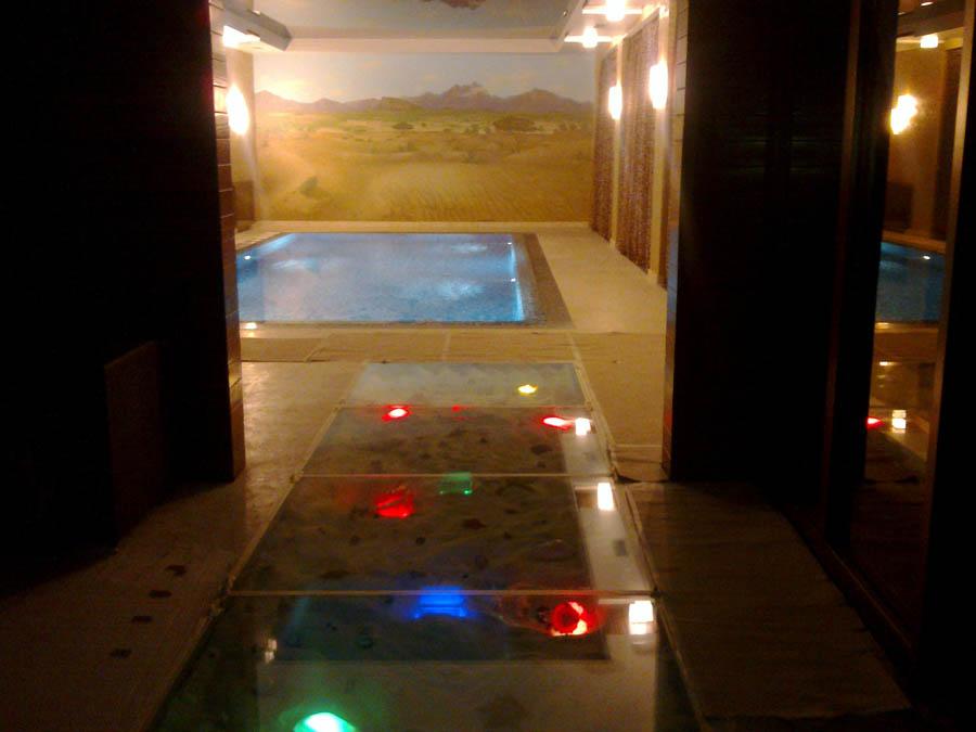 Стеклянный пол с подсветкой : фото, цена