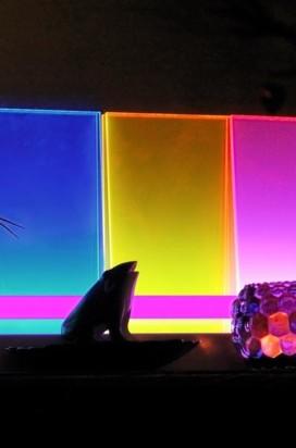 разноцветное стекло с подсветкой