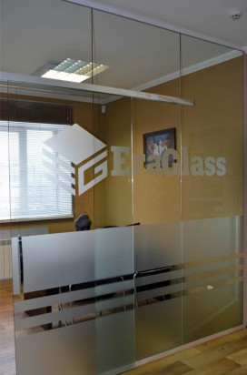 Создание уникального интерьера с помощью стеклянных дверей