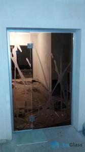 стеклянные двери,остекление дома,двери из стекла,бронзовые стеклянные двери,двери из стекла