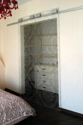 Раздвижные двери в спальную комнату