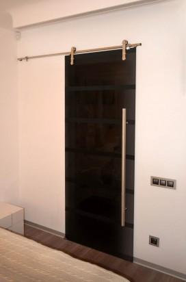 Тонированные стеклянные двери