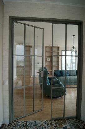 Межкомнатная перегородка в обвязе и стеклянная дверь Rimadesio