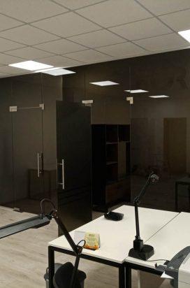 Офисная стеклянная перегородка с матированием