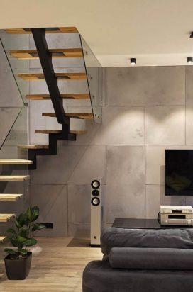 Стеклянное ограждение лестницы в квартире